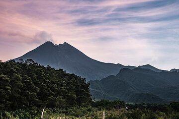 Sunrise over Merapi (Photo: Ivana Dorn)