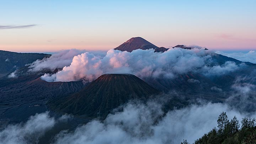 The sunrise over the Tengger caldera (Photo: Ivana Dorn)