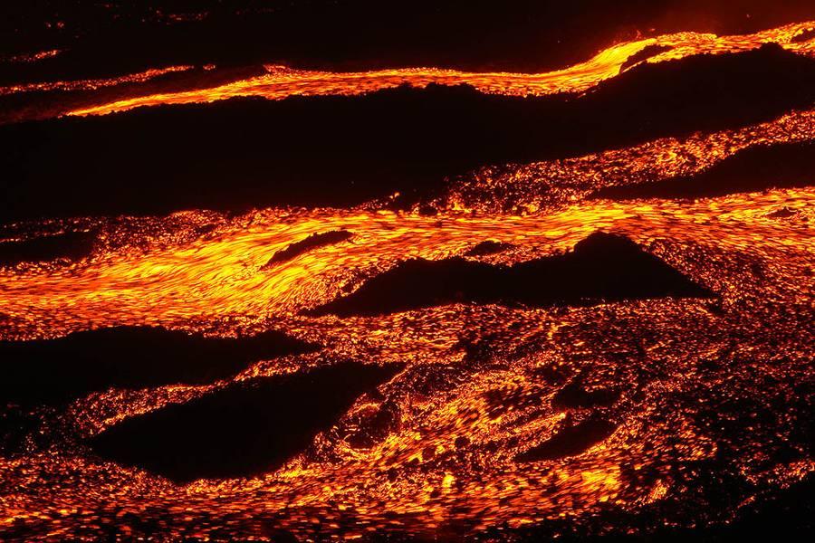 Rivers of lava from the Tolbachik eruption 2012-13 (Photo: Alexander Lobashevsky)
