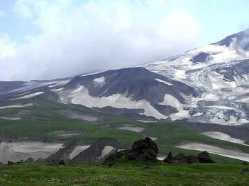 On the way to Bezymianny volcano, Kamchatka (Photo: Anastasia)