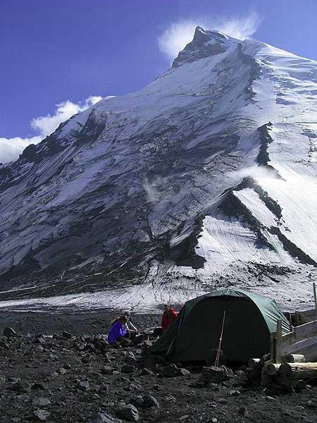 Base Camp between Klyuchevski and Kamen volcanoes at 3300 m altitude. (Photo: Anastasia)