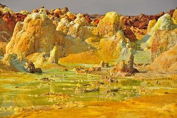 So far there is no other hydrothermal site known with such intense colours and activity as Dallol (Photo: Anastasia)