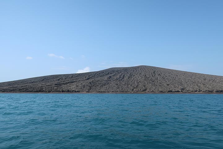 What is left of Anak Krakatau seen from the south. (Photo: AndreyNikiforov)