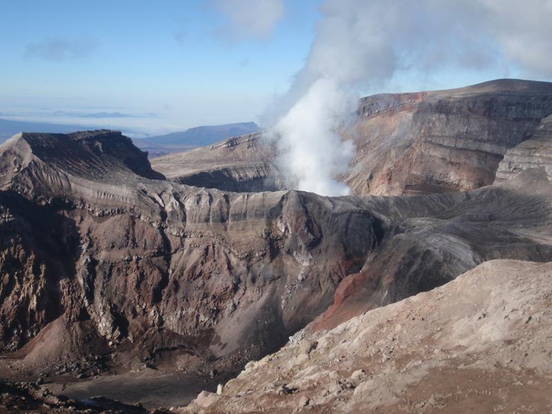 Crater of Gorely volcano, Kamchatka (Photo: AndreyNikiforov)