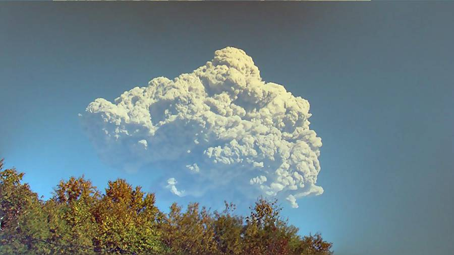 Explosive eruption at Shiveluch volcano, Kamchatka in Sep 2014 (Photo: Andrey)