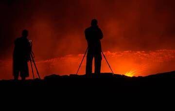 Photographers at Erta Ale's lava lake (Ethiopia) (Photo: Dominik Voegtli)
