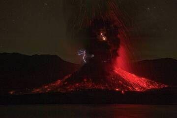 Eruption lightning at Barujari cinder cone (Rinjani volcano, Indonesia, Dec 2015) (Photo: Fady Kamar)