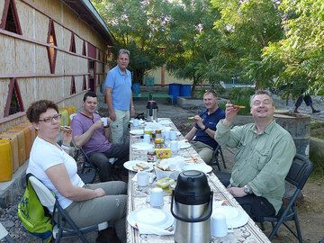 DAY 3: From Logia to Afrera salt lake - first camping breakfast prepared by our expedition cook! (Photo: Ingrid)