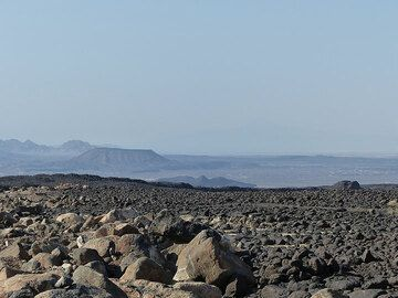 DAY 3: From Logia to Afrera salt lake - near sea level desert landscape with lava flows and volcanic mountain chains (Photo: Ingrid)