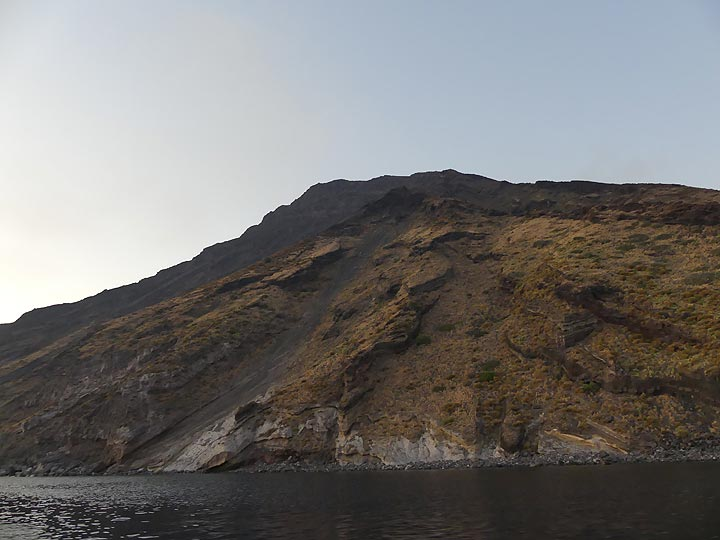 Last light of the day on the volcano's western flanks between Ginostra and the Sciara del Fuoco. (Photo: Ingrid)