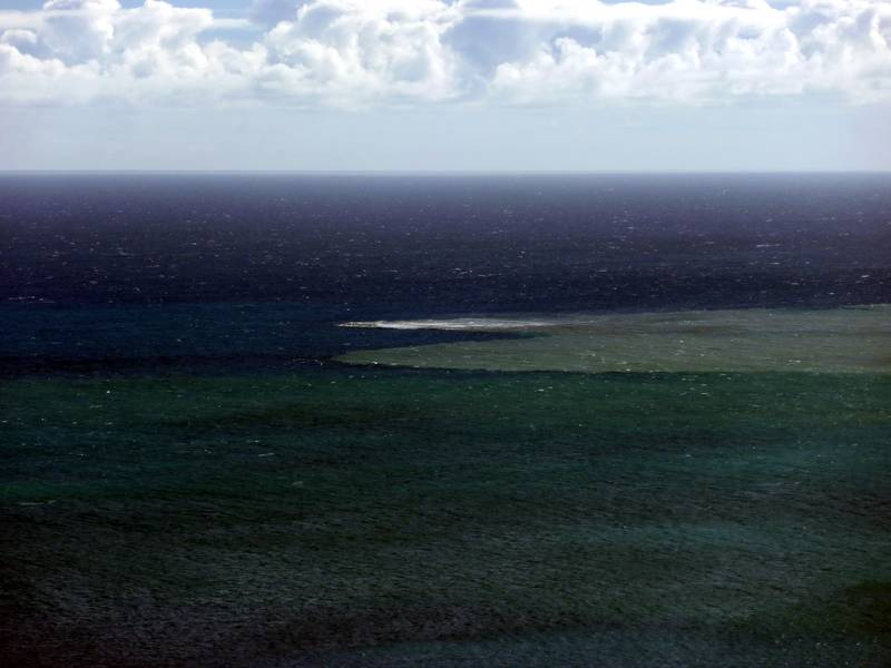 The area of the submarine vent during a phase of upwelling muddy water producing a visible stain and foam on the ocean surface. Canary islands, El Hierro (Photo: Janka)