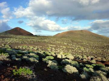 Dry volcanic landscape in the southern part of El Hierro, Canary islands (Photo: Janka)