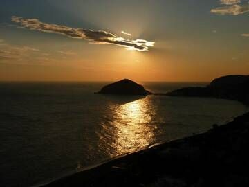 Sunset over the bay of Sant'Angelo in the southern part of Ischia island, Italy (Photo: Janka)