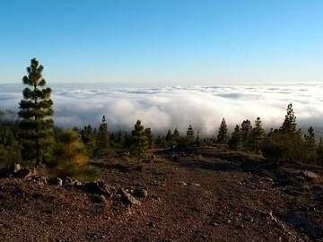 Clouds moving up the hillsides of El Teide volcano, Tenerife, Canary islands (Photo: Janka)