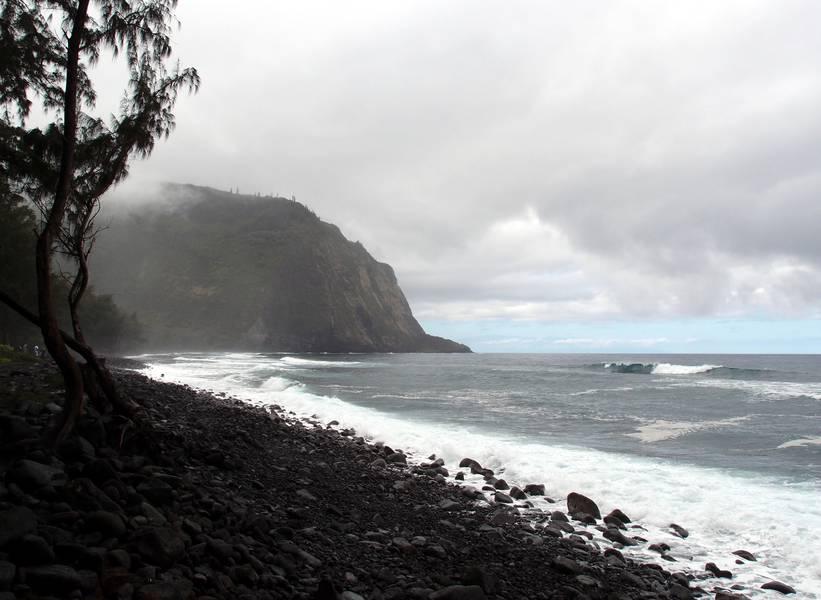 Waipiʻo Valley on a hazy day, Big Island, Hawaii (Photo: Janka)