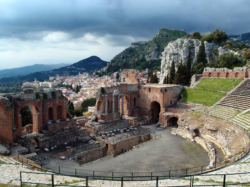 Teatro greco in Taormina, Sicily, Italy (Photo: Janka)