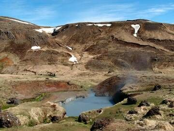 Natural hot water pond in Hengill geothermal area, Iceland (Photo: Janka)