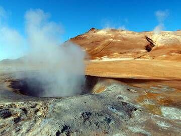 Námaskarð solfataras near Krafla volcano, Iceland (Photo: Janka)