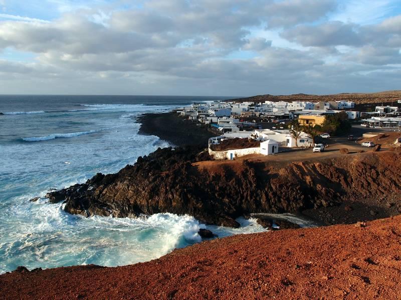 Evening mood in the village of El Golfo, Lanzarote, Canary islands (Photo: Janka)