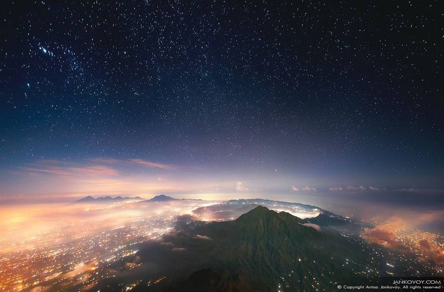View of Batur volcano (1,717 m) from the peak of Agung (3,142 m) at night. (Photo: Anton Jankovoy)