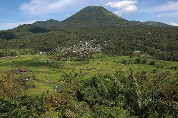 Gunung Lokon From Woloan Amphitheater, Satu Village, Tomohon, North Sulawesi, Indonesia (Photo: Jay Ramji)