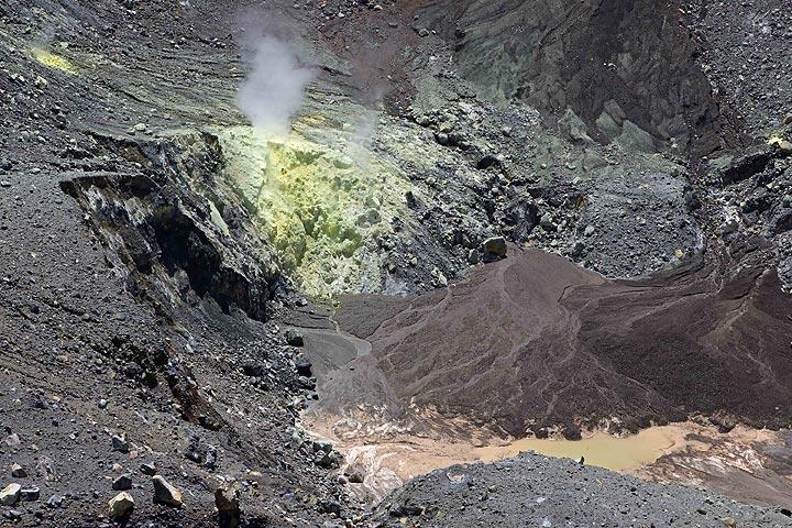 Crater Lake And Fumaroles, Gunung Lokon, Tomohon, North Sulawesi, Indonesia (Photo: Jay Ramji)