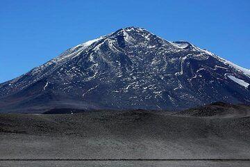 Cerro Laguna Verde (5,822 m) (Photo: Jiri VonDrak)