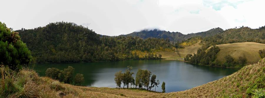 Lake Pano shot (on the way to Semeru) (Photo: KatSpruth)