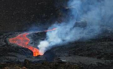 Fogo Volcano (Cape Verde)  2014-2015 eruption (23 November 2014 to 08 February 2015).Image taken December 4, 19h 20m local time. 14 56 35 N, 24 21 20 W. Mario Moreira mario.aa.moreira@gmail.com (Photo: MarioMoreira)