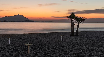 Sunset mood at the beach of Capo Miseno (Photo: Markus Heuer)