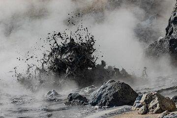 Boiling mud pond at the Pisciarelli fumarole (Photo: Markus Heuer)