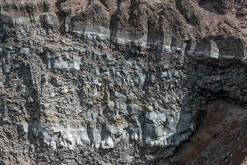 Layers of intra-crater lava flows that had filled the summit crater during the period 1906-44 when the most recent eruption of Vesuvius excavated the present-day summit crater. (Photo: Markus Heuer)
