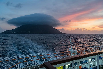 Approaching the Stromboli volcano at dawn. (Photo: Markus Heuer)