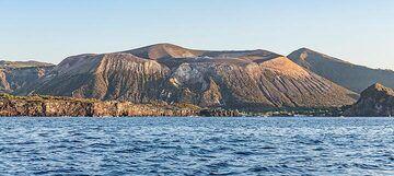 View of Vulcano from the sea (Photo: Markus Heuer)
