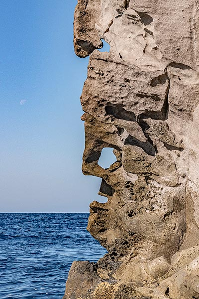 """""""Picasso"""" face on the cliff of Strombolicchio island (Photo: Markus Heuer)"""