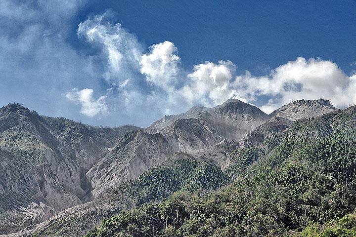 The 2012-13 lava dome of Paluweh volcano, Indonesia, Sep 2013 (Photo: Markus Heuer)