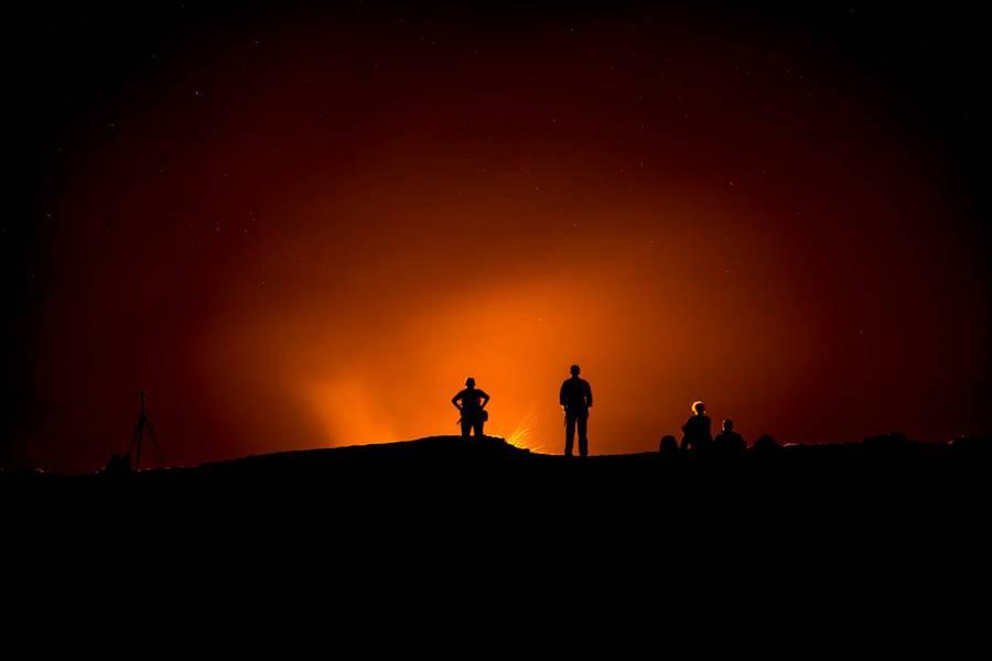 Photographers at Erta Ale Crater (Feb. 2015) (Photo: Martin Hertel)