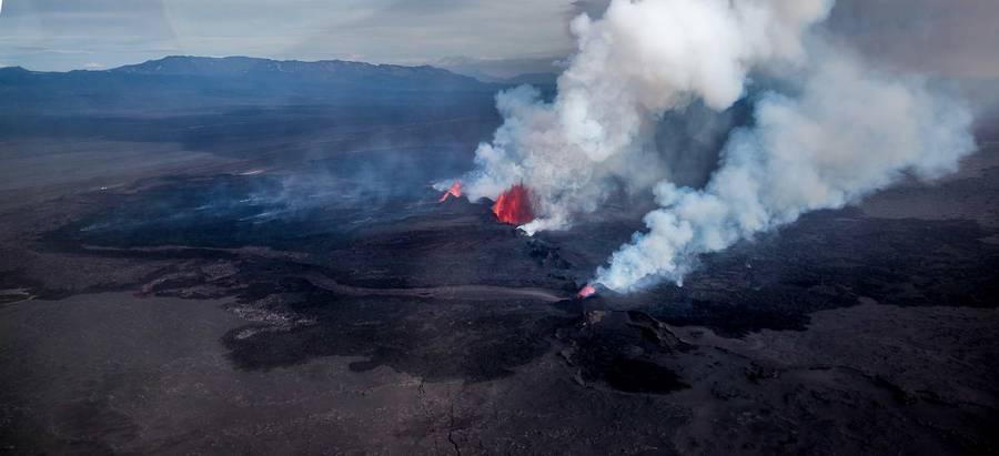 Holuhraun fissure eruption (Bardarbunga volcano, Iceland) Sep 2014 (Photo: Martin Hertel)