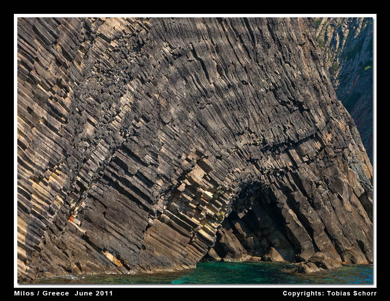 Columnar jointed andesite lava at Glaronisia, Milos Island (Cyclades, Greece) (Photo: Tobias Schorr)