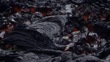 Close-up of fresh lava. (Photo: Michael Dalton)
