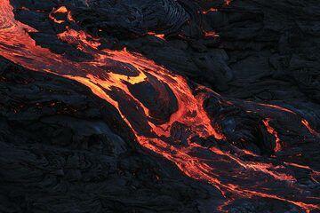 Fast-moving lava flow detail. (Photo: Paul Reichert)