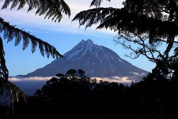 Taranaki volcano, New Zealand (Photo: Richard Arculus)