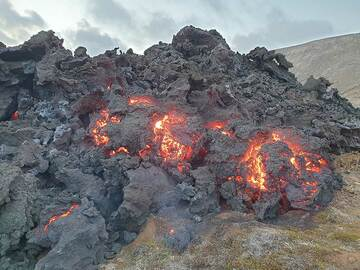 Active front of 'a'a lava flow (Photo: Ronny Quireyns)