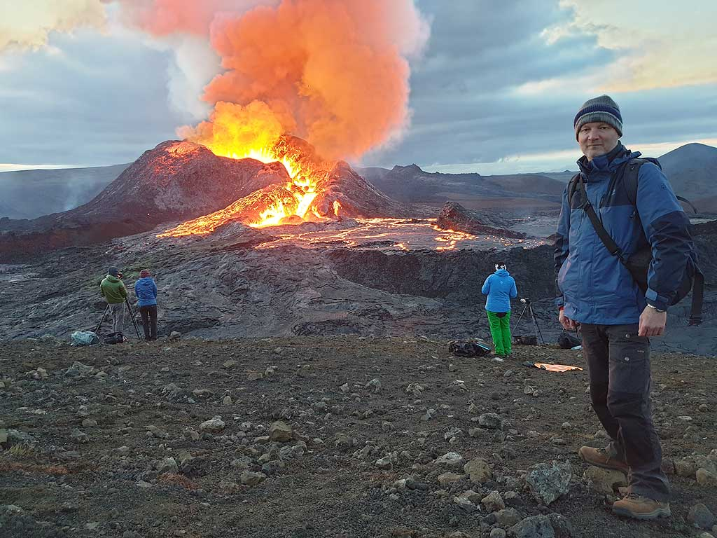 Selfie of Ronny during a lava fountaining phase (Photo: Ronny Quireyns)