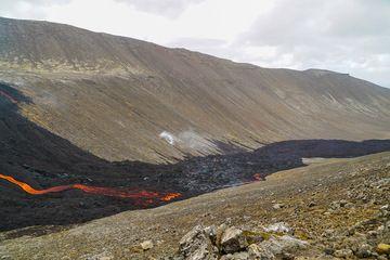 Lava flow entering Nátthagi Valley (Photo: Ronny Quireyns)