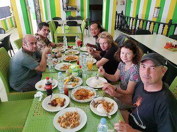 Lunch in Carita (Photo: Ronny Quireyns)