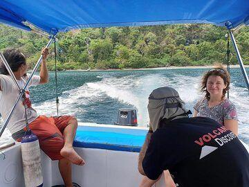 Leaving Rakata island (Photo: Ronny Quireyns)