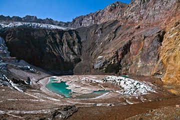 The glacial lake in east crater of Mutnovsky Volcano (Sep-2012) (Photo: Sergey Krasnoshchokov)