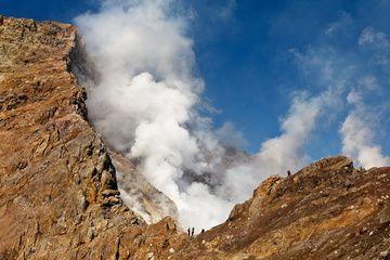 Active vent of Mutnovsky Volcano (Sep-2012) (Photo: Sergey Krasnoshchokov)