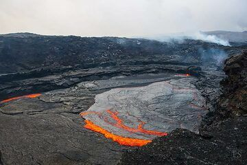 Part of the large lava lake at Erta Ale's fissure eruption site (c)